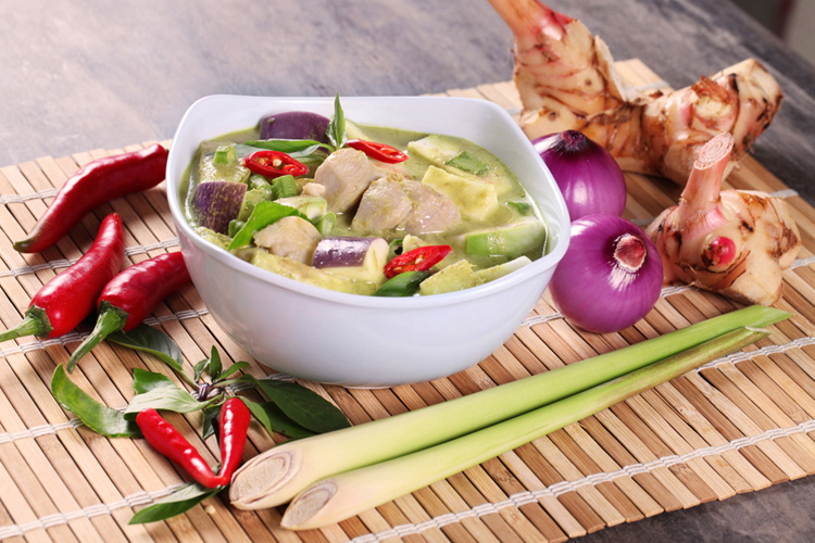 Green Curry Conceptualize Shoot by Phocept